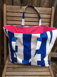Tote bag with pink lining