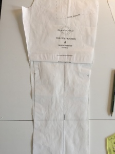 Adjusting the side seam shape of a trouser pattern